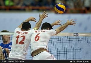اولین دیدار تیم های والیبال ایران و روسیه/گزارش تصویری