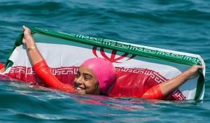 رکورد زنی «ساینا آتشین» شناگر ۱۰ ساله گیلانی