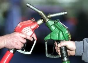 قیمت بنزین در کشورهای همسایه ایران چقدر است؟
