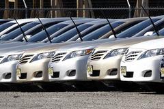 اختلاف نظر شورای رقابت و سازمان حمایت در مورد واردات خودرو