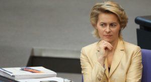 تصاویر؛ جنجال حجاب وزیر آلمانی در عربستان