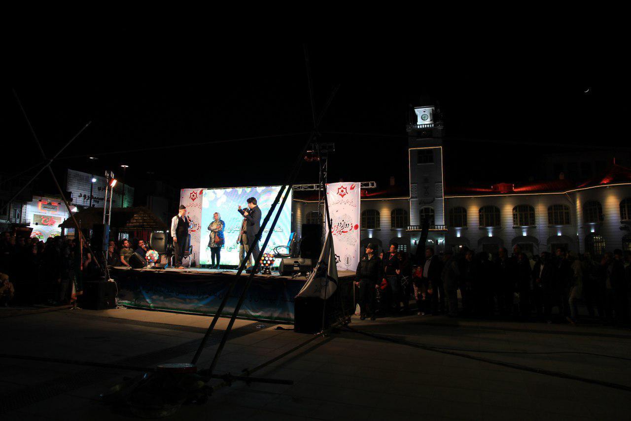 جشن بزرگ «روز جمهوری اسلامی» در پیادهراه فرهنگی رشت