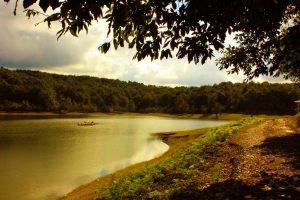 دریاچه سقالکسار گیلان | وقتی آسمان همنشین دریاچه می شود !!