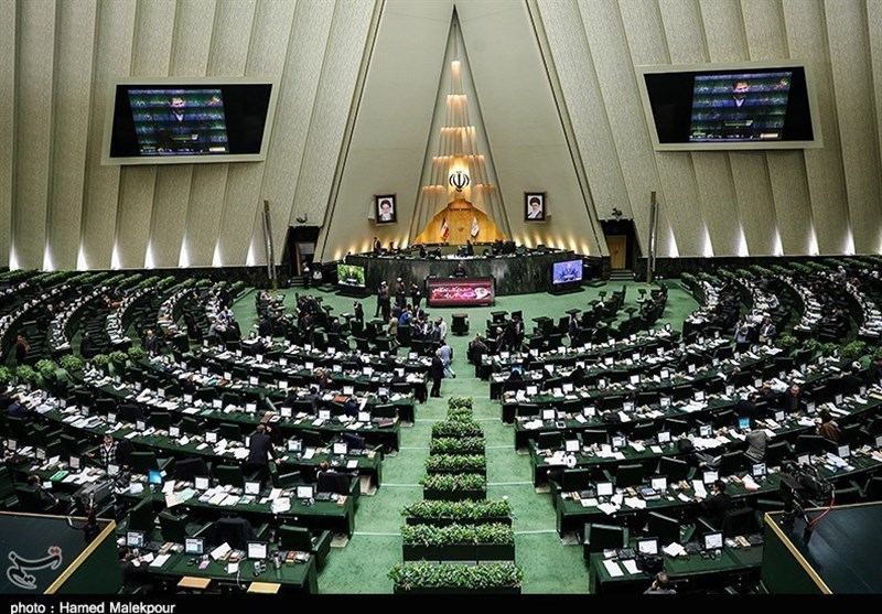 تذکر ۱۱ نماینده به وزیر کشور برای قطع اینترنت