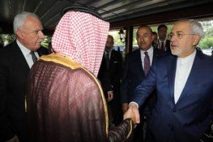 خوش و بش ظریف با وزیر خارجه سعودی + عکس