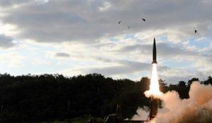 کره جنوبی ۲ موشک به سمت کره شمالی پرتاب کرد
