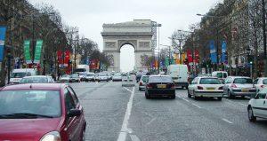 پاریس تا سال ۲۰۳۰ همه خودروهای بنزینی خود را از رده خارج میکند!