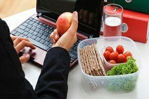 عوامل باورنکردنی چاقی در محل کار را بشناسید