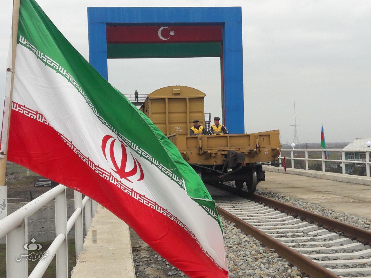 ۴۵ واگن باری آذربایجان منتظر ورود به خاک ایران در آستارا هستند