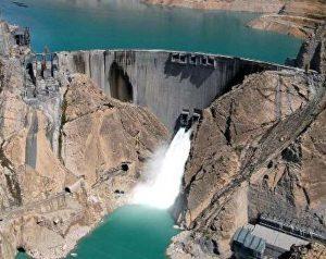کاهش آب سد سفیدرود