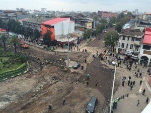 راهپیمایی اعتراضی بازاریان رشت برای وضعیت نا به سامان پیاده راه مرکزی رشت
