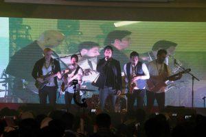 گزارش تصویری کنسرت فرزاد فرزین در تالار گلستان رشت