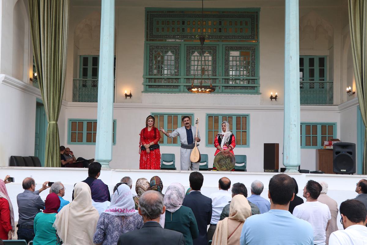 گزارش تصویری برنامه «رویداد جانِ گیلان» در خانه فرهنگ گیلان با موسیقی، طراحی و داستان خوانی