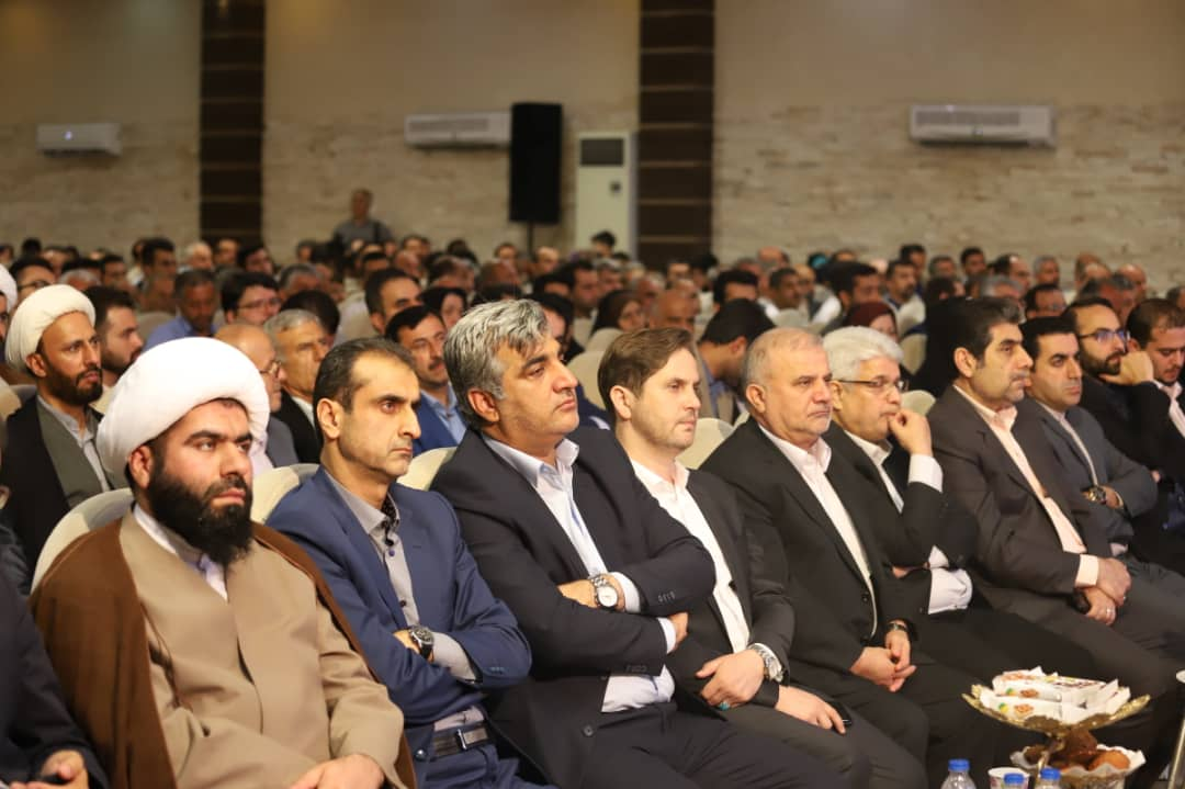 گزارش تصویری نخستین گردهمایی شوراهای اسلامی شهرستان رشت در تالار گلسان +متن خبر