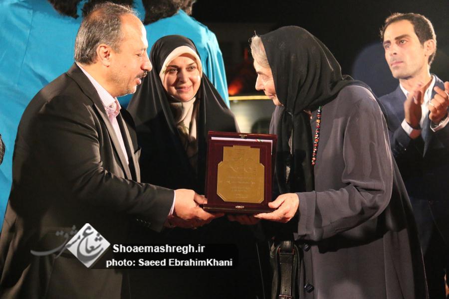 گزارش تصویری ویژه و کامل از افتتاحیه تئاتر دائمی خیابانی شهر رشت