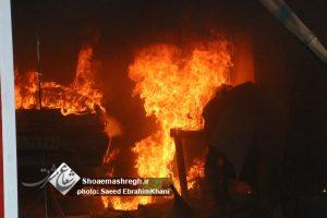 گزارش تصویری اطفای آتش سوزی مغازه صافکاری واقع در بلوار امام علی-رشت