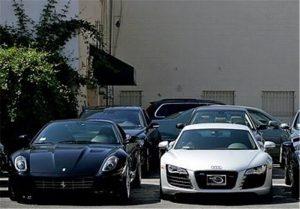 """احتکار سازمان یافته بیش از ۵ هزار خودرو توسط یک """"خانواده مشهور"""""""