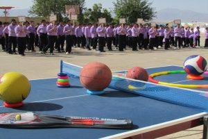اعزام ۲۱ خودرو تجهیزات ورزشی به مدارس گیلان