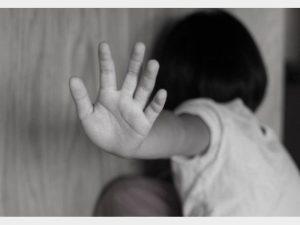 مرگ دختر ۳ ساله بر اثر کودک آزاری