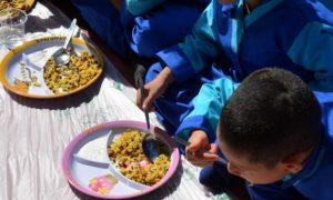 توزیع غذای گرم رایگان برای هزاران کودک در گیلان آغاز شد