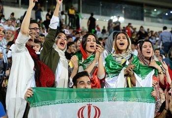 رئیس فیفا شاهد حضور بانوان در استادیوم آزادی