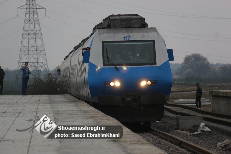 گزارش تصویری پایان رویای ١٢ساله/ورود اولین قطار   قزوین -رشت به صورت آزمایشی با حضور دکتر نوبخت