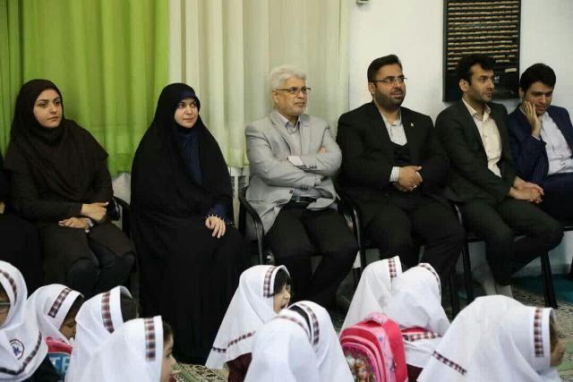 گزارش تصویری حضور مدیران شهرداری و اعضای شورای اسلامی شهر در مراسم آغاز سال تحصیلی کلاس اولی ها ( جشن شکوفه ها ) در مدرسه دخترانه شاهد نسیبه
