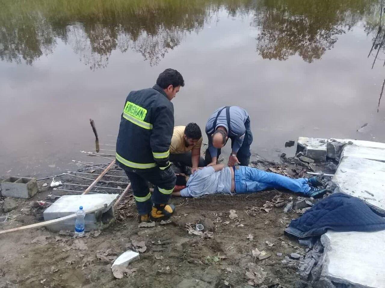 سقوط دیوار بتنی جان ماهیگیر جوان را در انزلی گرفت