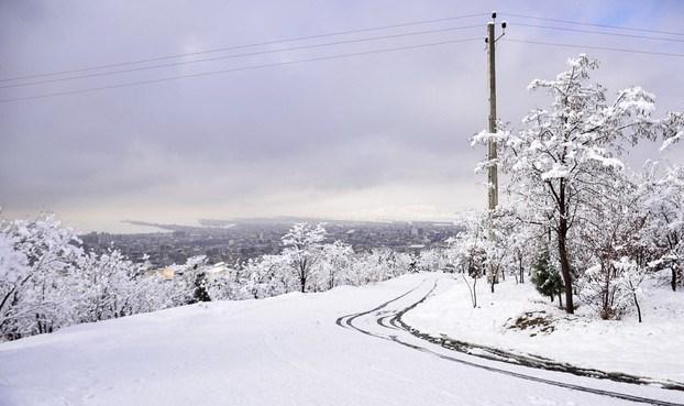 برف و باران در راه گیلان/ کاهش ۲۰ درجهای دمای هوا