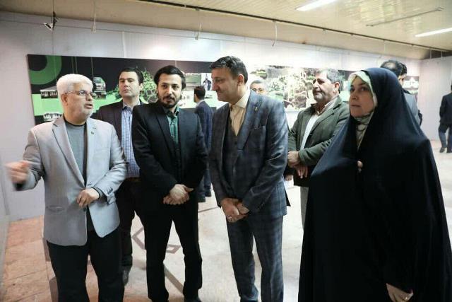 بازدید شهردار رشت به همراه دو تن از اعضای شورای اسلامی شهر رشت از نمایشگاه بازآفرینی تصویری دارالحکومه رشت در گالری مارلیک