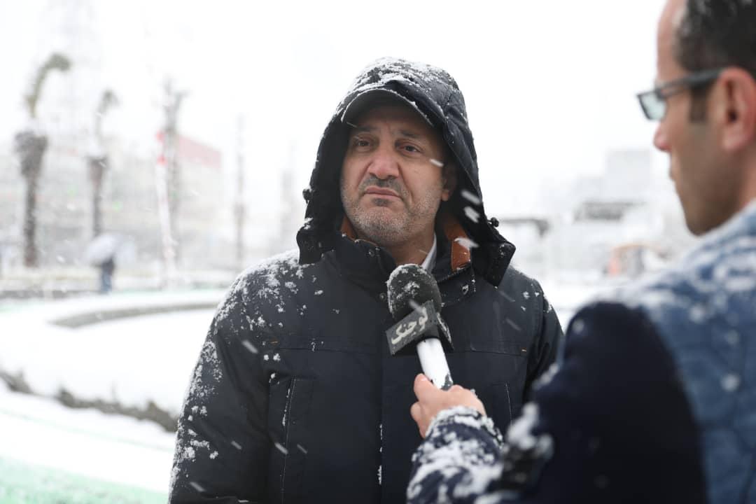 ۷۰ درصد معابر فرعی رشت برف روبی شده است