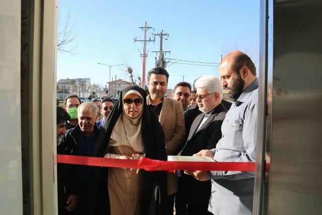 آیین رونمایی از پل های مکانیزه عابر پیاده شهر رشت در ششمین روز از دهه مبارک فجر برگزار شد